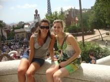 """BARCELLONA, Spagna #2012. """"La linea retta è la linea degli uomini, quella curva la linea di Dio""""."""